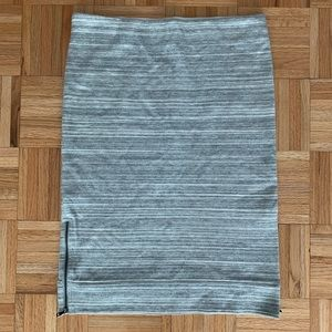 ANN TAYLOR LOFT pull on Grey skirt  M